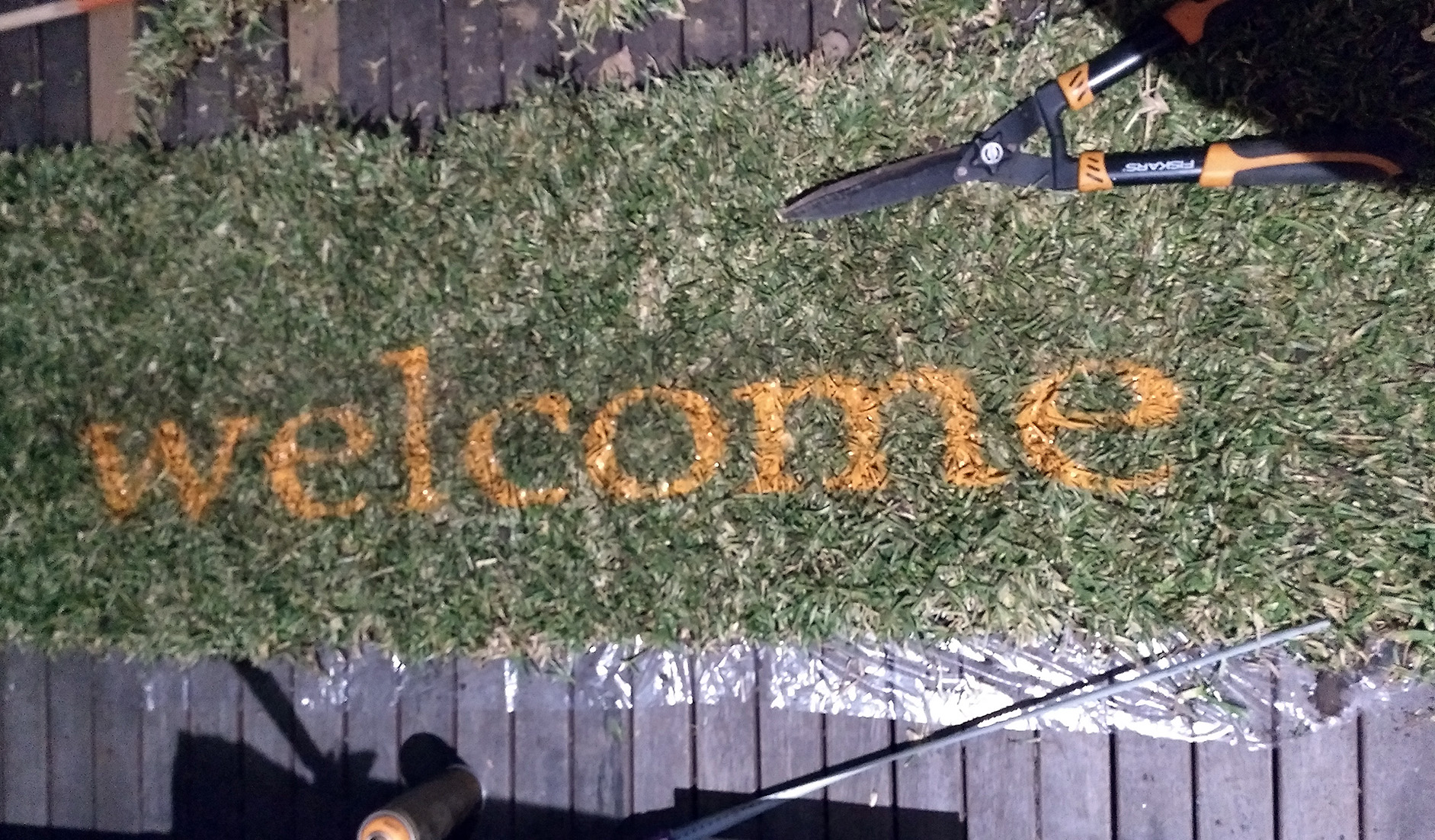 Welcome: temporary guerrilla turfing